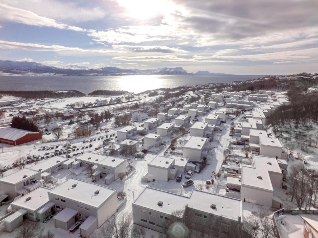 Dronefoto mot sør-vest.